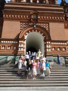 Поездка в Троице-Сергиеву Лавру членов семей сотрудников МВД России, погибших при проведении контртеррористических операций.