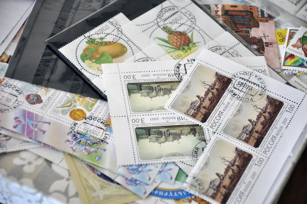 Подготовка Ассоциацией тематических наборов почтовых марок для детских домов