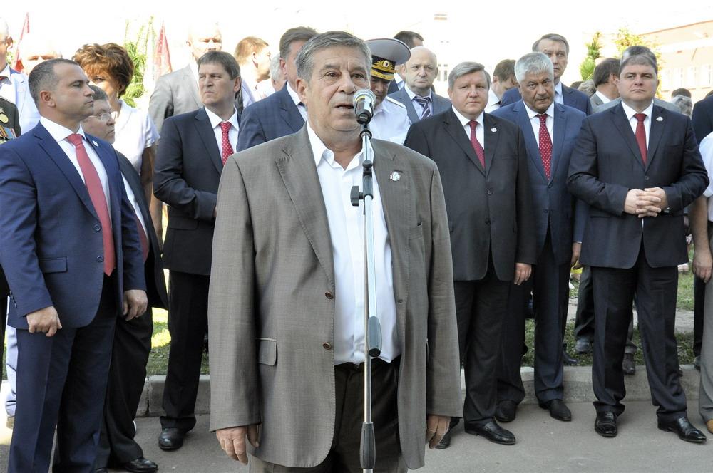 Кедровая Аллея Памяти в честь 450-летия города Орла